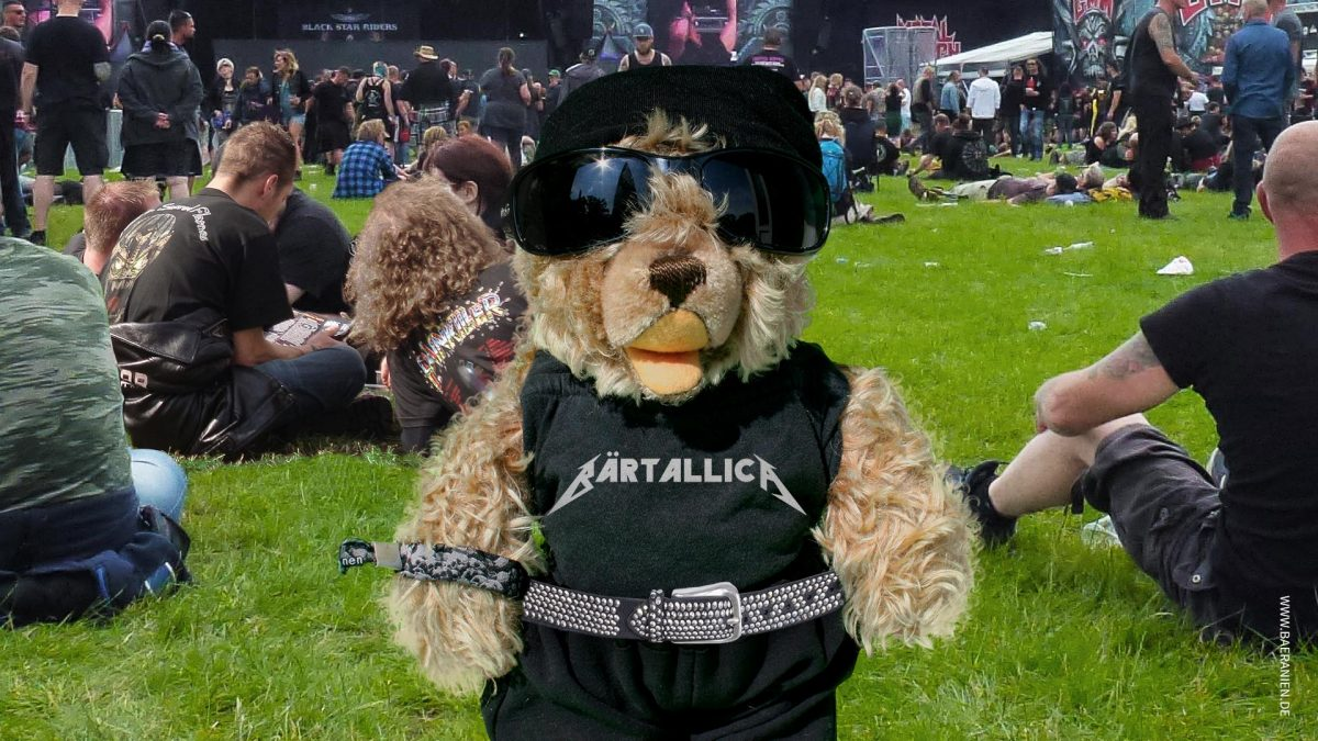Teddybär König Opa I. auf dem Metal-Festival