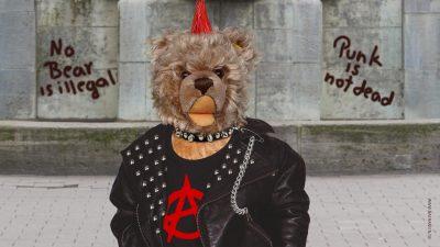Teddybär-König Opa I. als Punk
