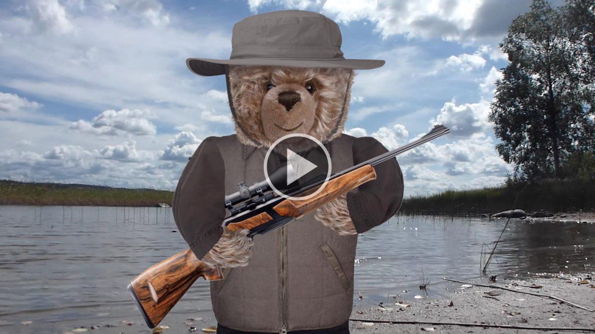 Teddy-König Opa auf Stockentenjagd